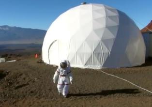 Her skal de isolere seg i et �r, for � se om det er mulig � leve p� Mars