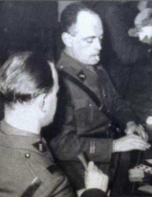 Soldatene p� Hackenberg-fortet fikk schnaps til frokost, og drakk til sammen 450 liter �l om dagen