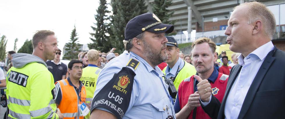 Supporterbr�ket: Politiet nektet Fagermo � g� til sin egen bil. N� kan det bli sak