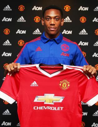 Manchester United signerte fransk spiss