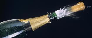 Fly m�tte n�dlande da flyvertinne smalt champagnekork i taket s� oksygenmaske falt ut