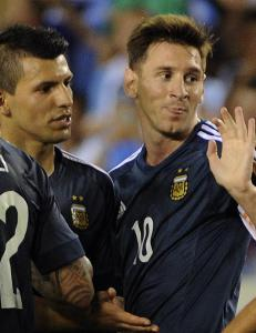 Messi scoret to p� ti minutter mot Bolivia