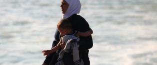 Over 4000 migranter ventes i havn i Aten