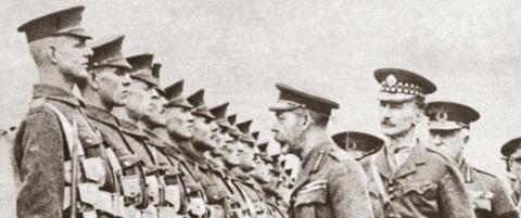 Den britiske kongen m�tte droppe alle sine tyske navn og titler
