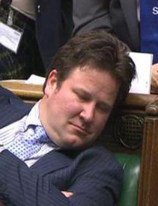 Hengt ut som sovende p� TV. N� beklager BBC