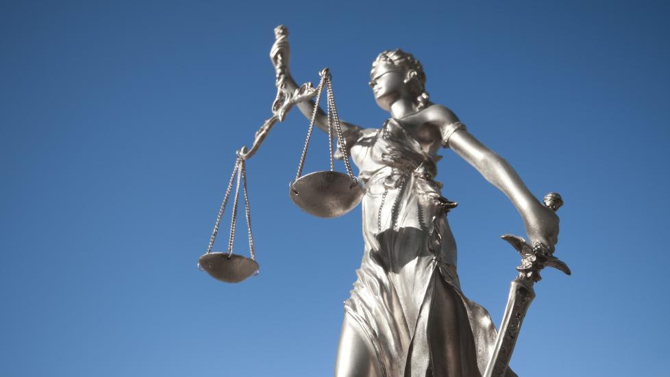 978x Staten er en mektig motpart når menneskerettigheter krenkes