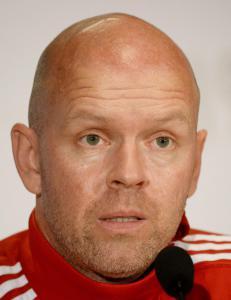 Henning Berg har f�tt sparken. Klubben gikk bak ryggen hans under kamp