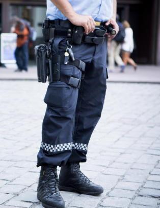 Politiet har f�tt ny v�peninstruks