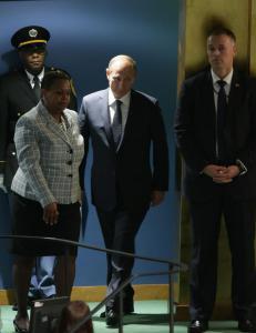 Putin: - Kjempetabbe å ikke samarbeide med syriske myndigheter