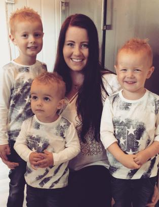 23 �r gamle June-Maria blir fembarnsmor: - Noen sier at de ikke kan fatte at jeg velger det