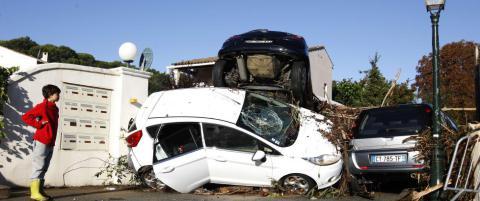 Minst 16 d�de i oversv�mmelser i Frankrike