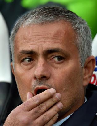 Mourinho drar hjem til syk far