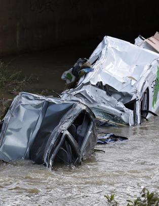 Minst 17 d�de i oversv�mmelser p� den franske Rivieraen