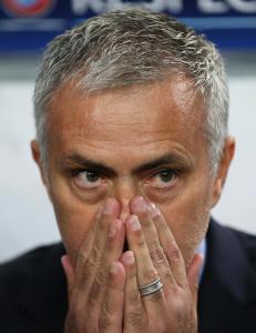 - Chelsea m� ut med en halv milliard for � bli kvitt Mourinho