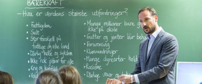 Vi trenger et l�ft i den norske skolen