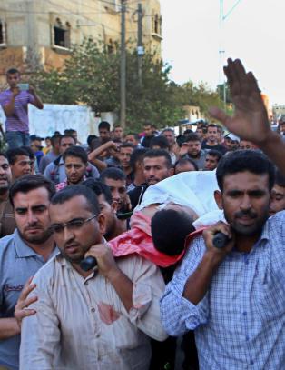 Ber sivile israelere b�re v�pen, og frykten for en ny intifada stiger