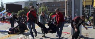 Minst 30 drept i terrorangrep mot fredsdemonstrasjon i Ankara: - En massakre