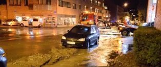 Vannlekkasje i Oslo: - Vannet fosser ut i gatene