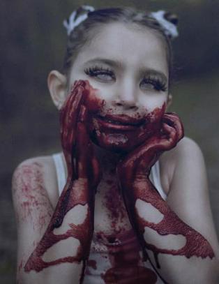 Skremmende bildeserie av barn skaper kontrovers