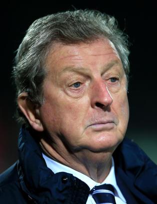 Litauen og England etterforskes av UEFA