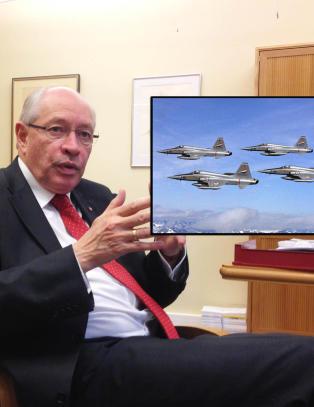 - Hvordan er det mulig � eksportere jagerfly uten at noen legger merke til det?
