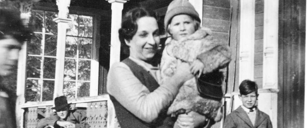 Barnepsykologen reddet 14 j�diske barn.  Ett av dem var Ninas pappa