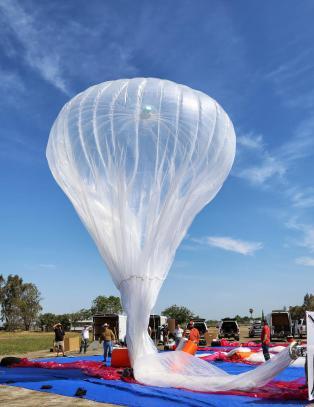 Flere hundre ballonger skal gi internett til verdens fattige