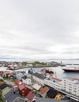 Hva heter byen som er administrasjonssenter i Nordkapp kommune?