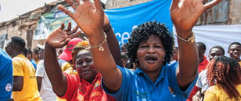 Tusener samlet seg i Sierra Leone for � feire slutten p� ebolaepidemien