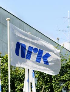 Ap foresl�r NRK-lisens for fire �r av gangen