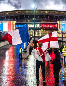 �Det beste mellom Frankrike og England er vannet�. Men n� skal de sammen r�re Europa