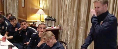 Se Tom H�glis r�rende avskjedstale til landslaget