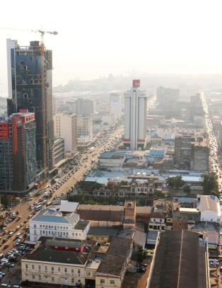 Hovedstaden heter n� Maputo. Hva heter landet?