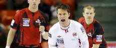 Den kontroversielle teknologien f�r mange til � se r�dt og splitter curlingsporten