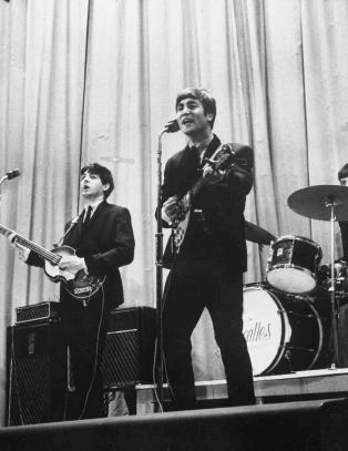 The Beatles synger hitl�ter p� 50 historiske filmopptak
