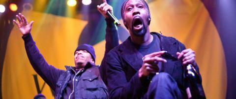 Rapgruppa laget ett eksemplar av sitt nye album. N� er det solgt for �millioner av dollar�