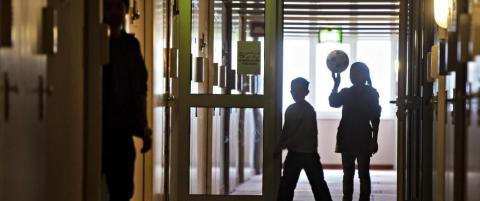 �rlig kostnad for �n enslig mindre�rig asyls�ker - Norge: 2 millioner, Sverige: 800 000