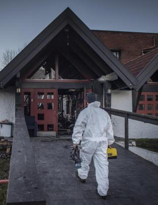 Vitne p�grepet for falsk forklaring etter asylbrann i Hemsedal