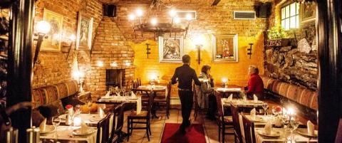 Robinson og Fredag: S�rgelig tapas p� Salsa de Paris