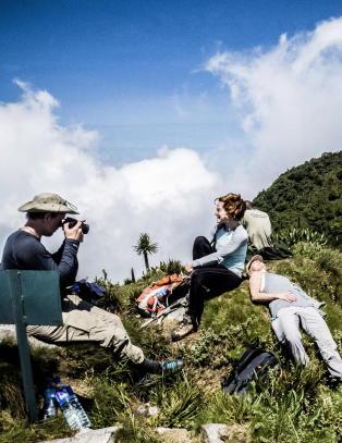 P� toppen av Mount Sabyinyo er du i tre land samtidig. P� langt n�r de fleste kommer fram
