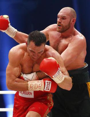 Truet med � trekke seg - Tyson Fury ble verdensmester i tungvektsboksing