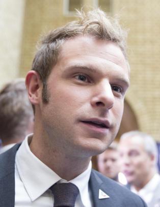 Snorre Valen (31) valgt som ny nestleder i SV