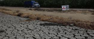 Ekstremt�rken gj�r at USAs viktigste landbruksomr�de synker fem cm i m�neden
