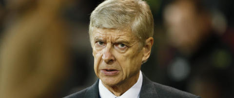 Wenger spilte sm�skadet Alexis. Etter 60 minutter m�tte han ut. N� slaktes Wenger
