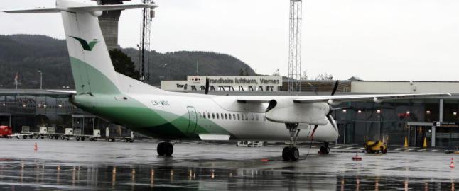 Mann i 30-�ra truet med � �ta flyvertinne� p� Wider�e-fly fra K�benhavn til Torp