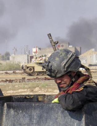 Ber hundretusener sivile forlate IS-kontrollert by