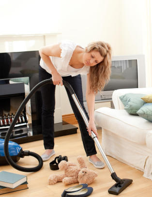 -Mannen min hjelper ikke til med husarbeidet. Hvordan f�r jeg ham til � ta ansvar?