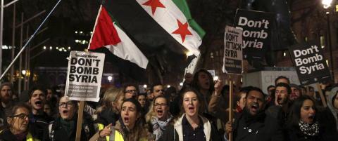 I morgen avgj�rer britene om de skal g� til krig mot IS