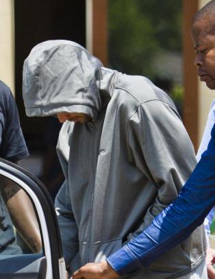 Nekter for � ha utstedt arrestordre mot Oscar Pistorius