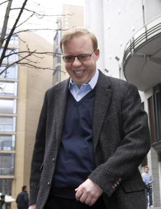 - Rune Hauge f�r 30 millioner for TV-salget av Tippeligaen